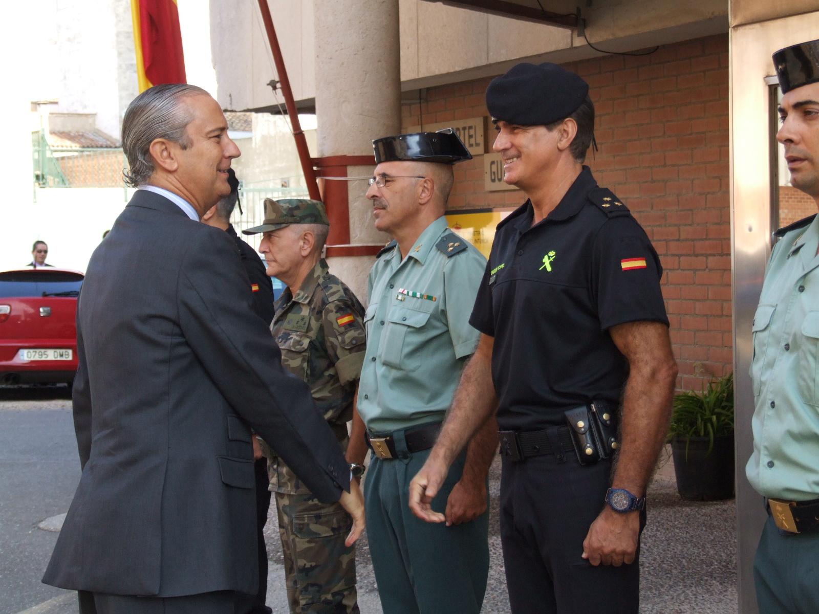 Arsenio Fernández de Mesa realiza una visita de Inspección a la Zona de la Guardia Civil de Aragón