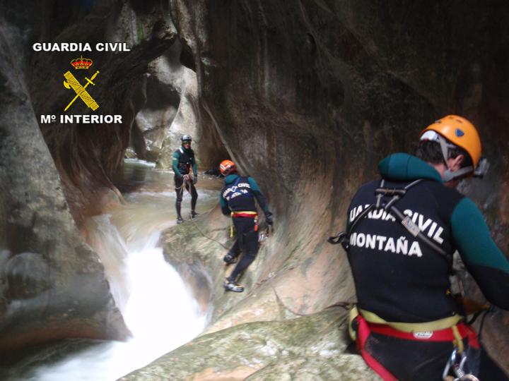 El Servicio de Montaña de la Guardia Civil ha auxiliado a 400 personas durante el primer trimestre de 2013