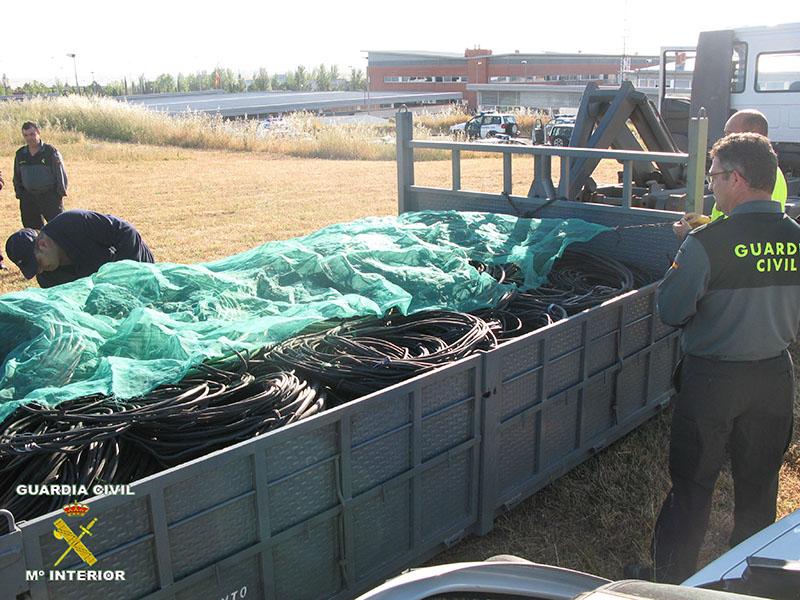 Desarticulada una red responsable del robo de cable de cobre preparado para la instalación en la feria de Cáceres