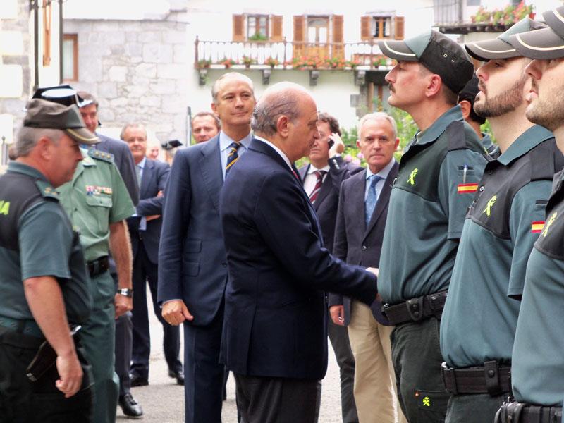 Jorge fern ndez d az la guardia civil siempre estar for Ministerio del interior guardia civil