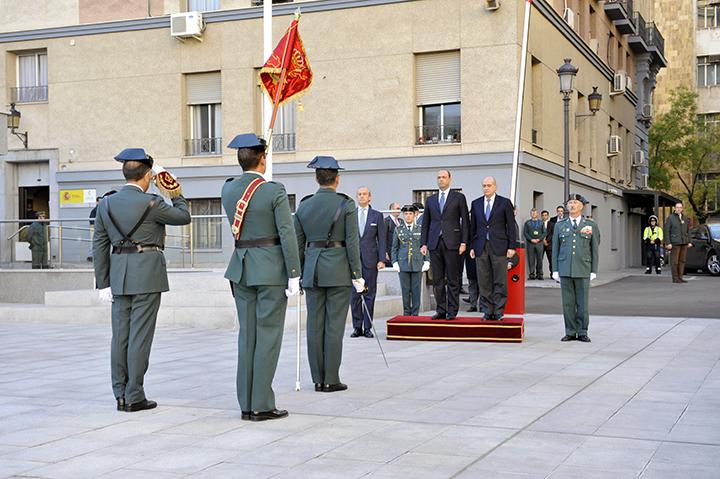 El ministro del interior y su hom logo italiano visitan el for Ministerio del interior guardia civil
