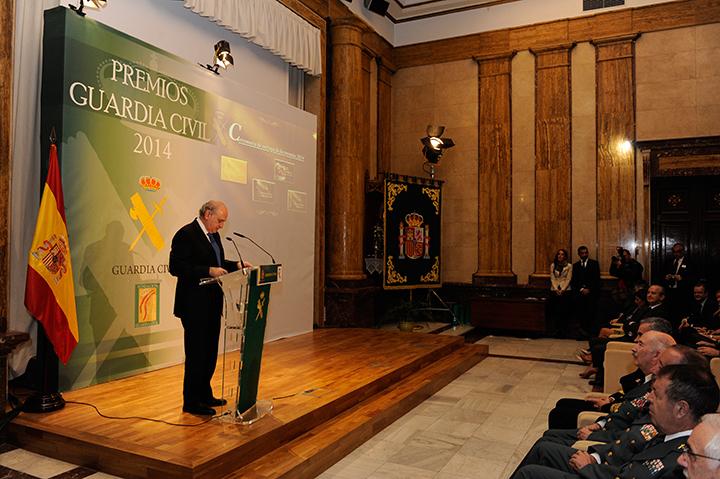El ministro del interior ha presidido el acto de entrega for Foto del ministro del interior