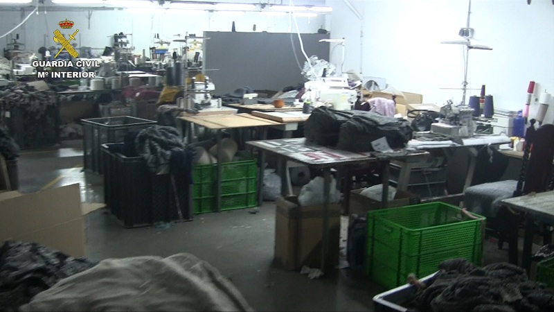 La Guardia Civil detiene a dos personas que mantenían a ciudadanos chinos en  condiciones infrahumanas para su explotación laboral