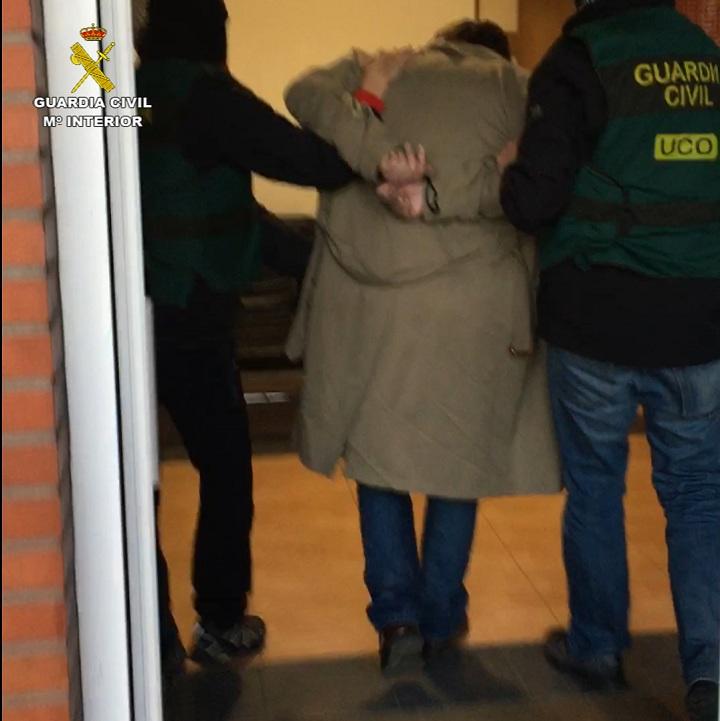 La Guardia Civil detiene a un atracador cuando iba a secuestrar al director de una sucursal bancaria de Cantabria