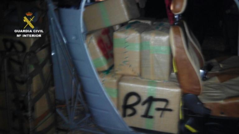 La Guardia Civil detiene a 20 integrantes de una red dedicada al tráfico internacional de hachís por vía aérea