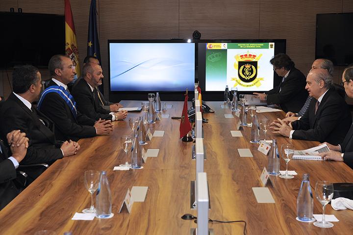 Los ministros de interior de espa a y marruecos visitan for Ministros interior espana