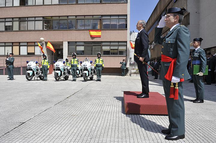 El Director General preside el acto conmemorativo del 172º aniversario de la fundación de la Guardia Civil y la despedida de la Bandera del General Jefe de la Zona de Galicia