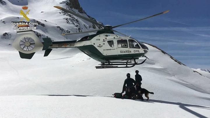 El Servicio de Montaña de la Guardia Civil ha rescatado a más de 500 personas durante el periodo invernal