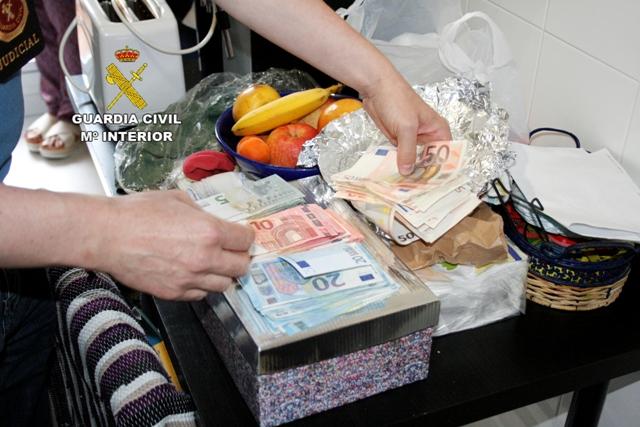 La Guardia Civil detiene a 9 personas por blanquear más de 2 millones de euros provenientes del narcotráfico
