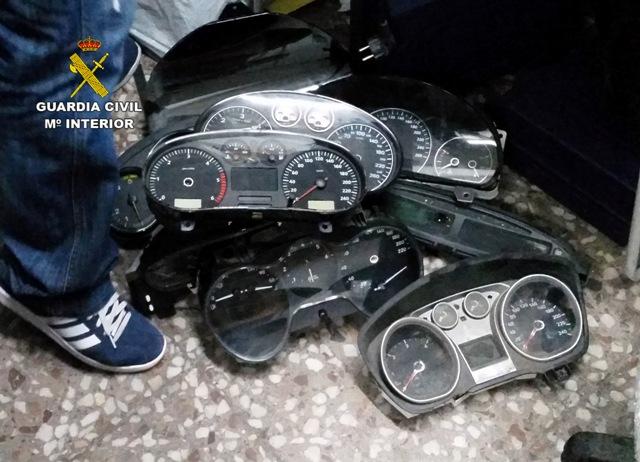 La Guardia Civil esclarece 120 delitos de estafa en modificación ilícita de cuentakilómetros