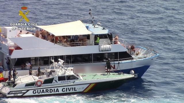 La Guardia Civil lleva a cabo una campaña para el cumplimiento de la normativa que regula los  Party Boats en Illes Balears