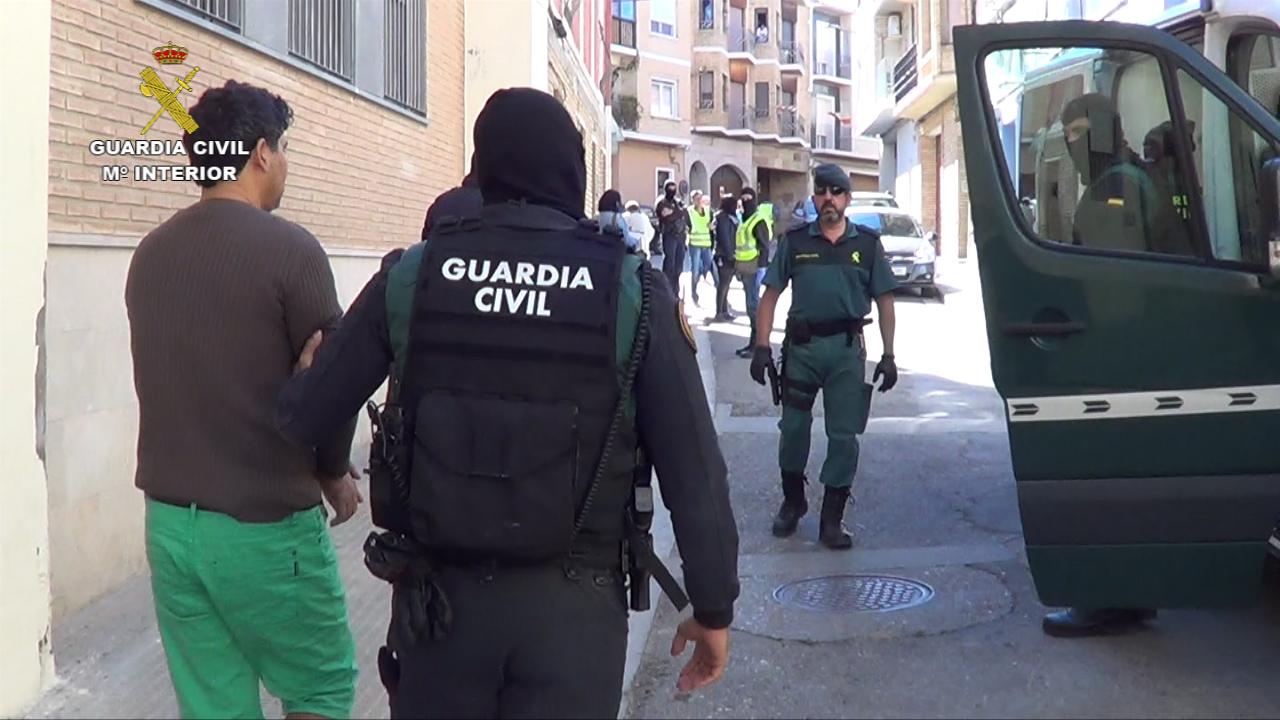 La guardia civil desarticula un grupo organizado dedicado - Guardia civil trafico zaragoza ...