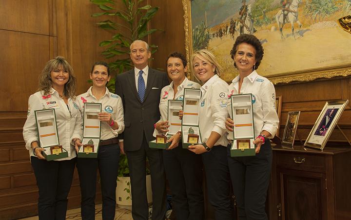 El Director General de la Guardia Civil recibe a las cinco mujeres que participarán en la Travesía Transatlántica #RetoPelayoVida16