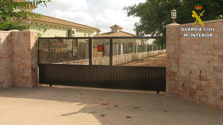 La Guardia Civil rescata a dos hermanos que vivían en cautiverio en el domicilio familiar desde hace más de 7 años