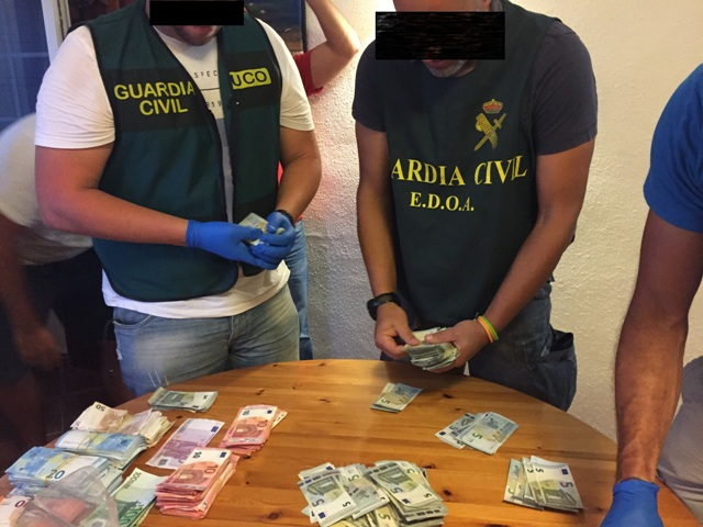 La Guardia Civil desarticula una organización criminal que en barcas neumáticas introducía hachís en Canarias