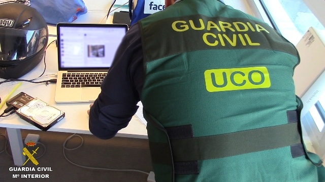 La Guardia Civil desmantela una organización que, mediante microestafas en telefonía móvil, habría defraudado más de 30.000.000 de euros