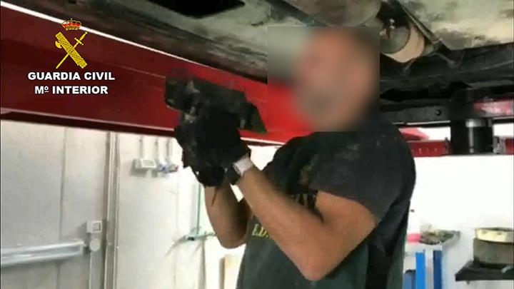 La Guardia Civil desarticula una organización criminal dedicada al tráfico de cocaína en dobles fondos