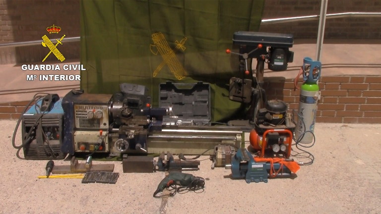 La Guardia Civil desarticula una banda dedicada a la transformación de armas detonadoras en armas susceptibles de hacer fuego real