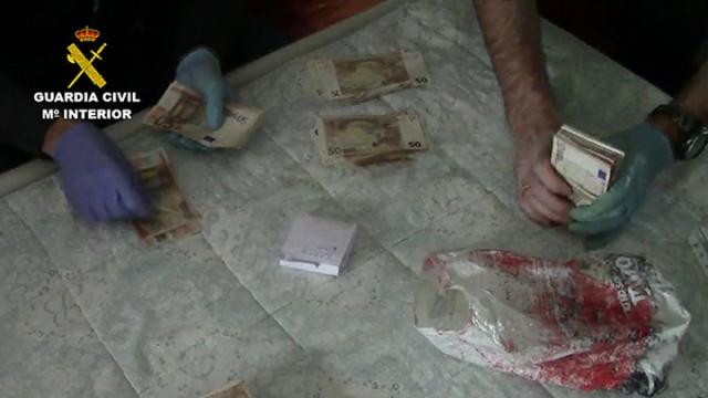 La Guardia Civil detiene a una persona por la tenencia de un arsenal de armas ilegales