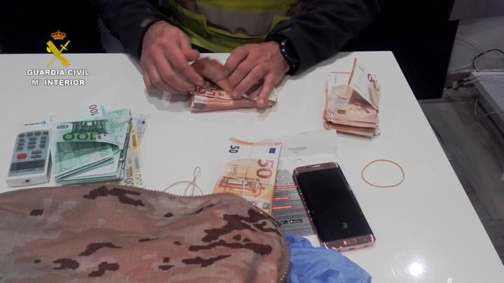 La Guardia Civil detiene a los integrantes de dos organizaciones de narcotraficantes rivales que protagonizaron un tiroteo tras un intento de robo de hachís