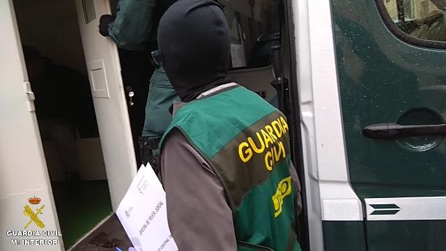 6f43d5e7a101 La Guardia Civil desarticula un peligroso grupo criminal especializado en  atracos a representantes de joyería