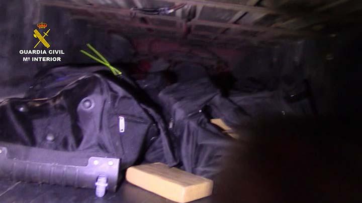 La Guardia Civil incauta más de 900 kilogramos de cocaína en el puerto de Algeciras