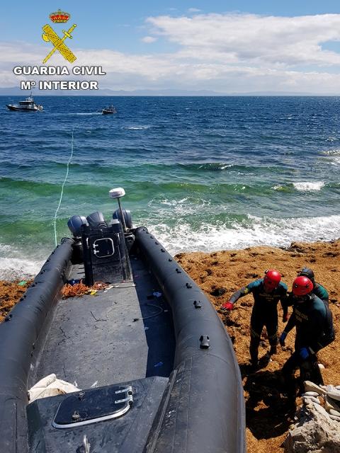 La Guardia Civil interviene más de tres toneladas de hachís en la playa de Getares (Algeciras)
