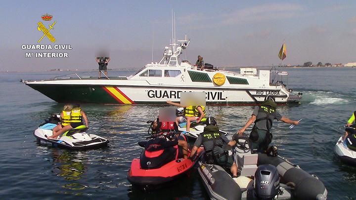 La Guardia Civil pone en marcha sendas campañas de control de embarcaciones deportivas, de recreo y de motos náuticas