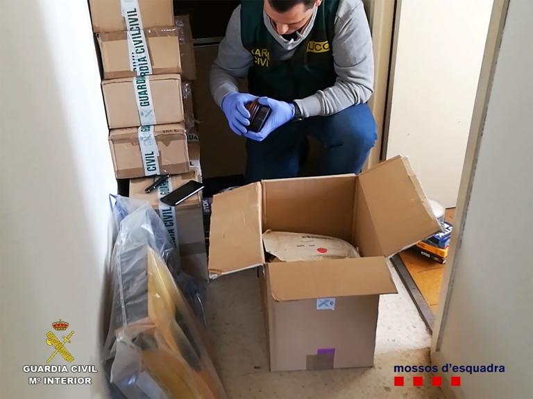 Desarticulado un grupo de compradores de material pedófilo a través de internet y correo postal