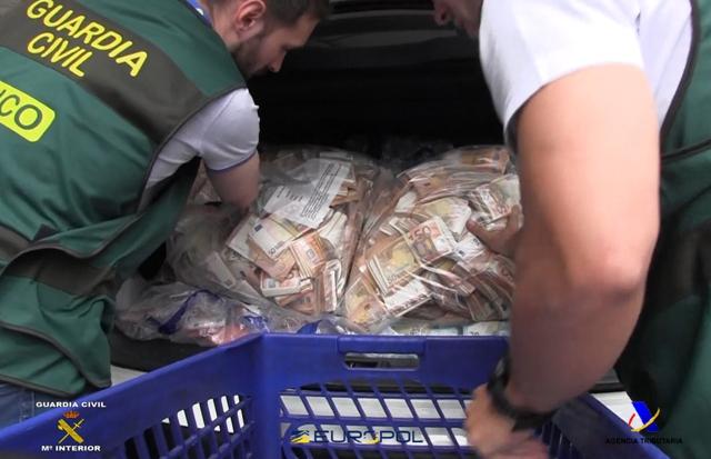 Desarticulada una organización criminal implantada en diversos países de la UE que habría evadido más de 40 millones de euros