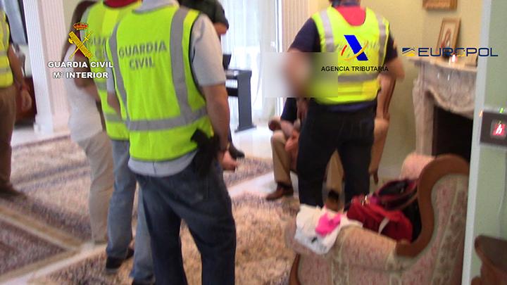 La Guardia Civil desarticula una organización criminal dedicada al blanqueo de capitales procedente del contrabando y la corrupción
