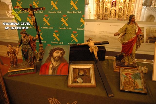 La Guardia Civil recupera 19 obras de arte entre las que se encuentran dos cartas manuscritas autógrafas de Santa Teresa de Jesús