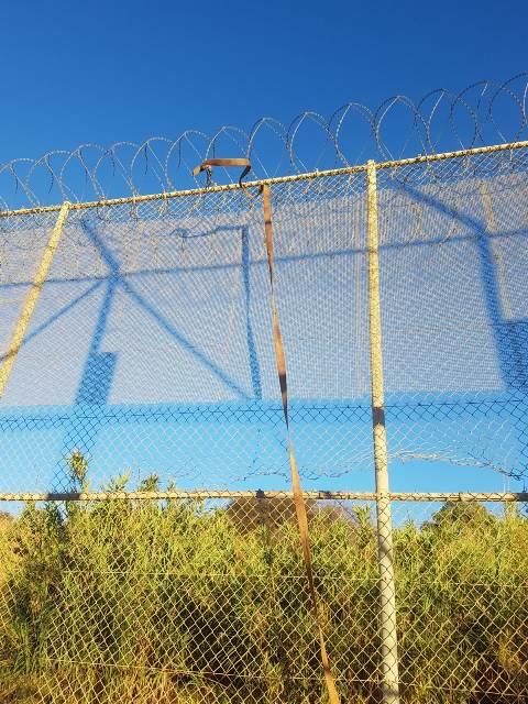 Intrusión de más de 700 subsaharianos en el vallado fronterizo con Marruecos con utilización de medios virulentos contra los agentes de la Guardia Civil