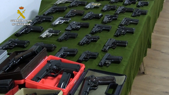 Macrooperación de la Guardia Civil contra el tráfico de armas