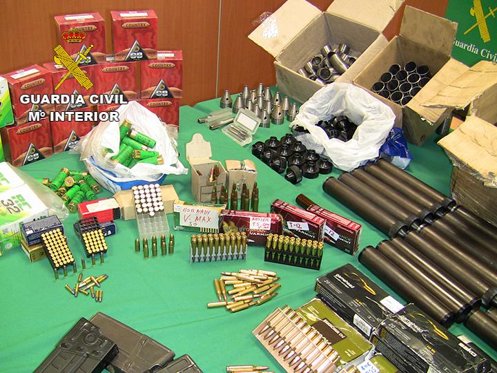 Desarticulada una organización que suministraba armas de fuego a los narcos del Campo de Gibraltar