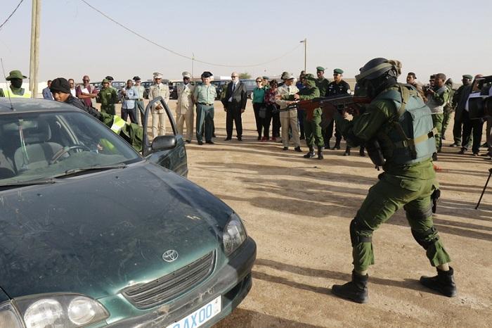 El director general visita el centro de formación del proyecto GARSI-SAHEL y el contingente de la Guardia Civil en Mauritania
