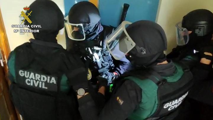 La Guardia Civil libera en Lugo a una menor retenida ilegalmente por su novio y los padres de éste