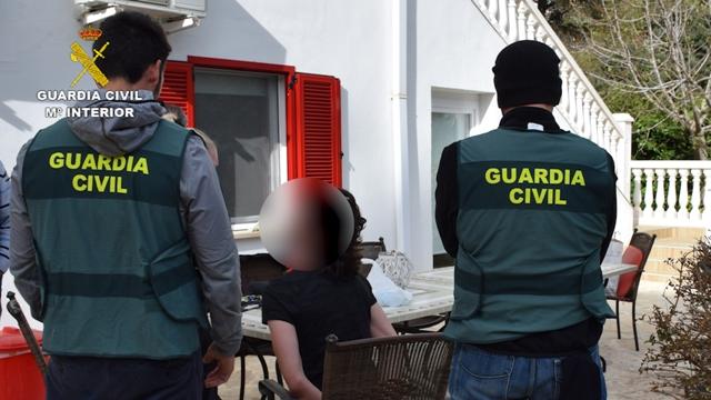 La Guardia Civil detiene en Mallorca a un neonazi alemán huido por intentar atentar con una bomba en Burglengenfeld (Alemania)