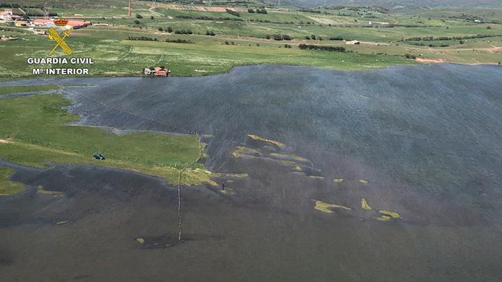 La Guardia Civil interviene cerca de 9.000 kilos de pescado capturado ilegalmente en el río Ebro