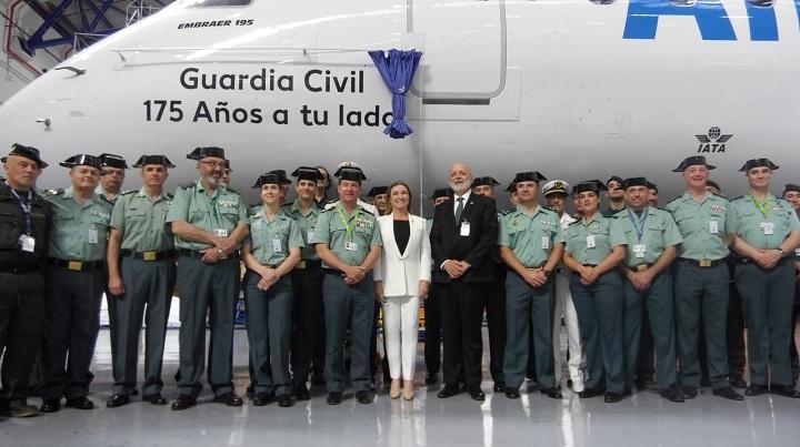 """Air Europa rotula un  avión de esta compañía aérea con el nombre de """"Guardia Civil"""" con motivo del 175 Aniversario de la fundación del Cuerpo"""