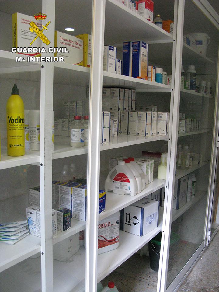 La Guardia Civil destapa una trama de administración irregular de medicamentos en animales