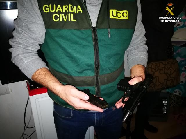La Guardia Civil desarticula una red internacional de trata con fines de explotación sexual y libera a 13 mujeres