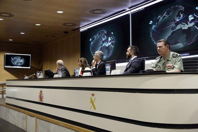 """Grande-Marlaska pide unir esfuerzos para fomentar entre todos una """"auténtica"""" cultura de la ciberseguridad"""