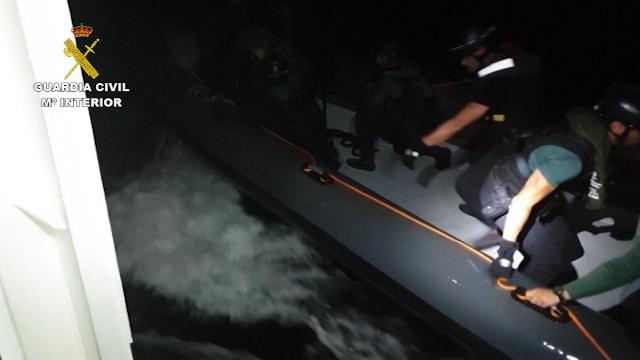 La Guardia Civil desmantela una importante  plataforma de proyección de narcolanchas, establecida junto a las islas Chafarinas