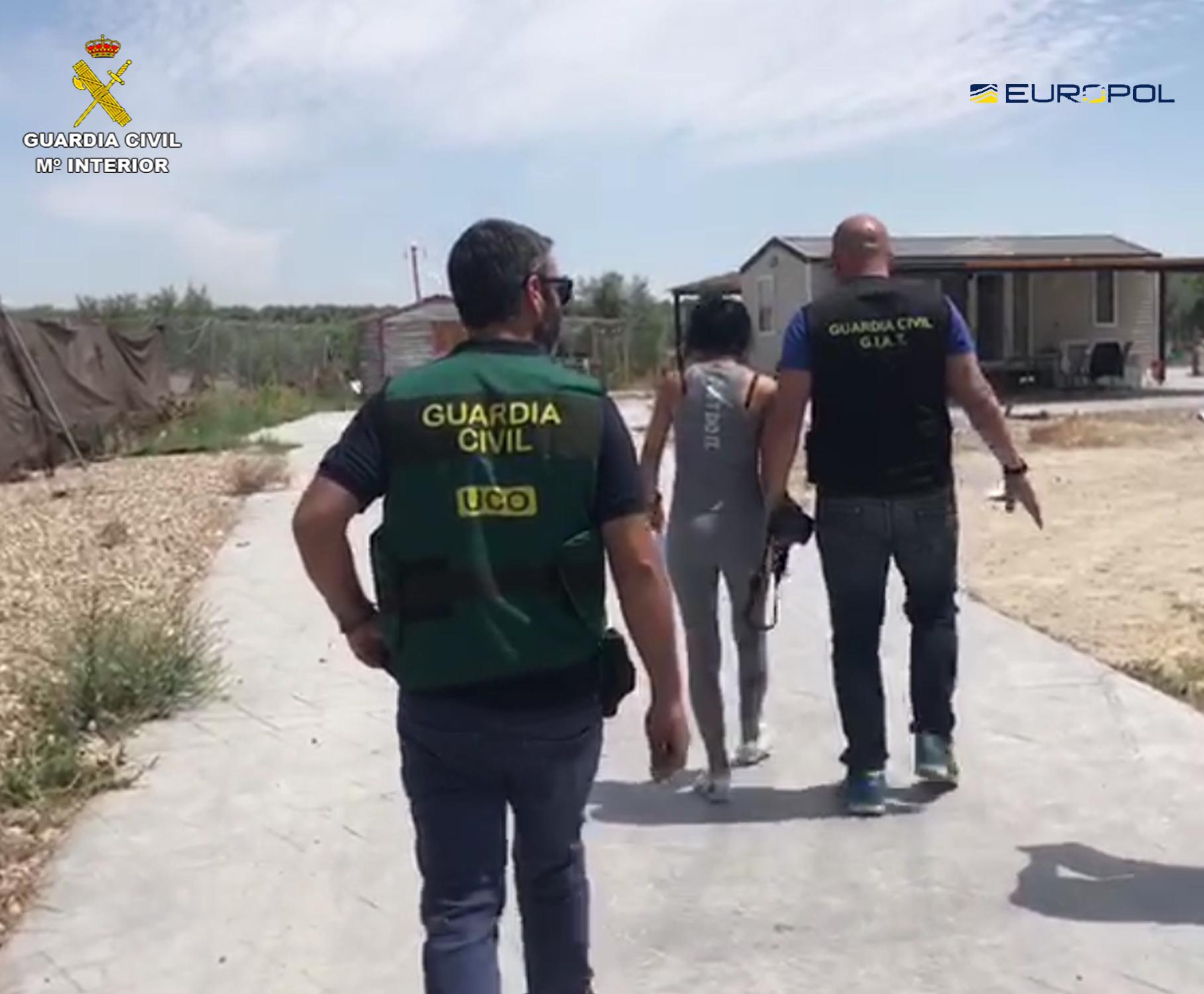 La Guardia Civil detiene a  40  personas por el robo de 118 vehículos y su posterior venta en concesionarios