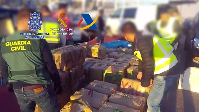 Desarticulada una organización de narcotraficantes que utilizaba una embarcación deportiva para transportar hachís de Marruecos a España