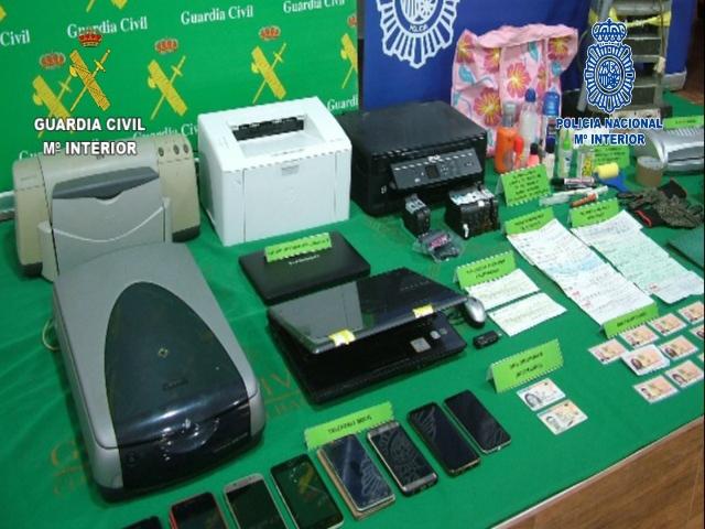 La Guardia Civil y la Policía Nacional desarticulan una red especializada en la sustracción, falsificación y posterior cobro de pagarés y cheques falsos