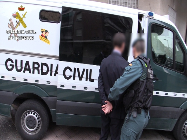 La Guardia Civil desarticula una red dedicada a la expedición de certificados falsos necesarios para la habilitación de guarda rural