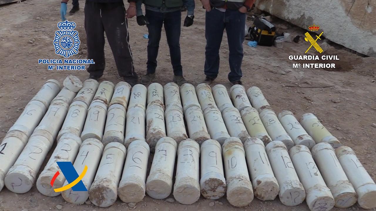 Desarticulada en Alicante una organización criminal que introducía metanfetamina oculta en bloques de mármol