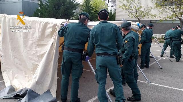 La Guardia Civil instala en Calahorra (La Rioja) una tienda modular para la realización de pruebas del COVID19 en vehículos